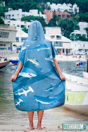 Poncho Tiburones Azul Claro