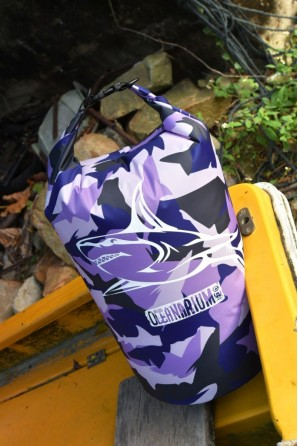 Purple Camo Drybag 15 L....