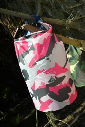 Bolsa Impermeável Camuflagem Rosa Tubarão Touro 5l